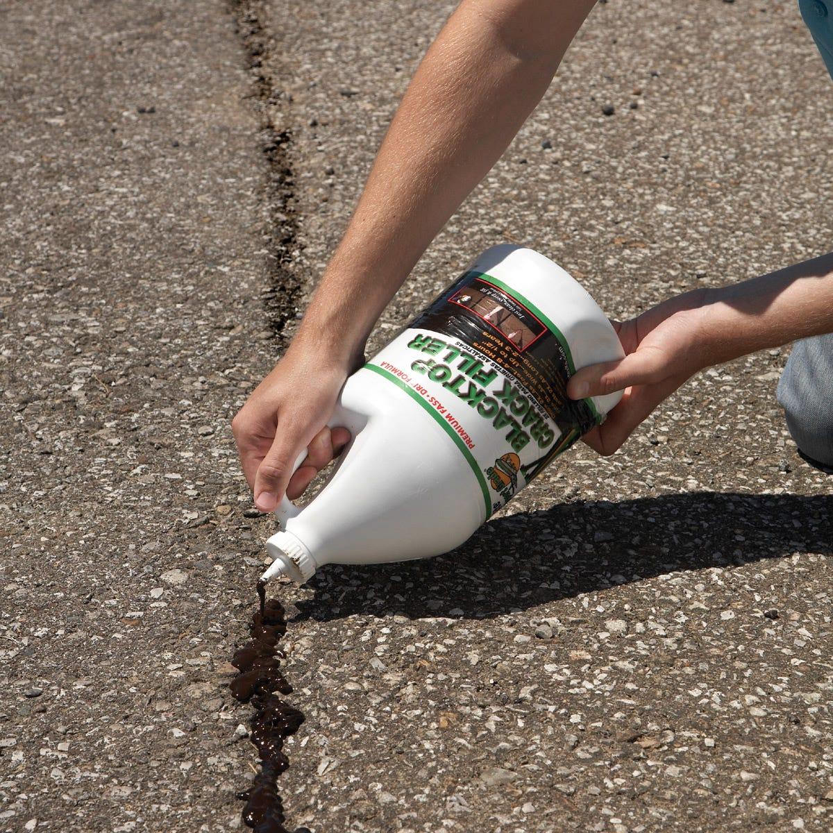 Sidewalk Crack Filler : Premium asphalt crack filler