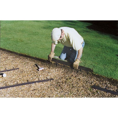 Steel lawn edging 4 inches high 16 feet for Gardening tools menards
