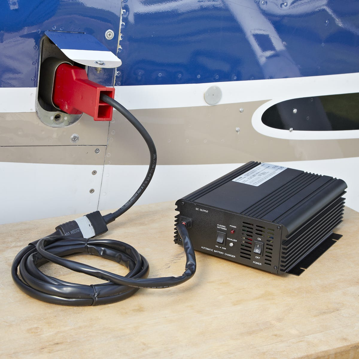 12v power supply and battery charger with 3 pin plug. Black Bedroom Furniture Sets. Home Design Ideas